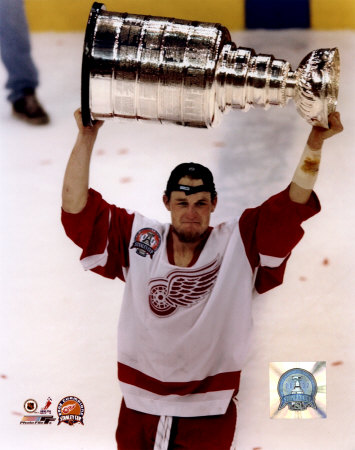 aado009darren-mccarty-with-the-2002-stanley-cup-18-photofile-posters.jpg
